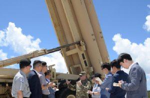 """Corea del Nord lancia 4 missili, Trump minaccia """"conseguenze"""". Alleanza con Giappone e Corea del Sud"""