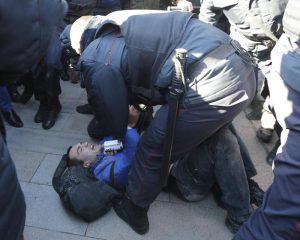 """Russia, Alexiej Navalnyj condannato a 15 giorni di carcere. Ue: """"Rilasciatelo"""""""