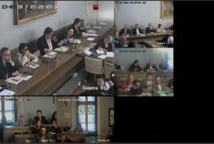Novara, sindaco Alessandro Canelli bestemmia in Consiglio comunale VIDEO