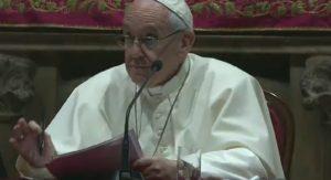 """Papa Francesco a Milano: """"Non dobbiamo temere le sfide"""""""