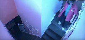 Getta bimba di 4 anni giù per le scale: arrestata maestra