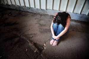 Pimonte (Na). Stuprarono ragazzina di 15 anni: gli 11 del branco tutti a casa