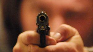 """Legittima difesa. Tar Liguria: """"Sì all'uso delle armi per difendere beni aziendali"""""""