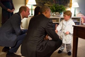 """George, principino cambia scuola e va dove i """"migliori amici"""" sono vietati"""