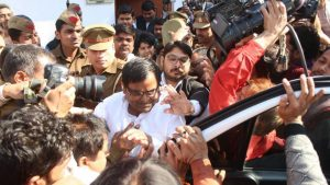 India, ex ministro arrestato per violenza e abusi su una minorenne