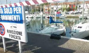 Rimini: cadavere in una valigia nelle acque del porto. Forse è una donna orientale