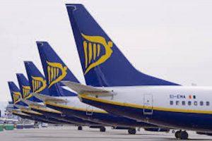 Ryanair, 100mila biglietti a 5 euro: offerta per dodici ore