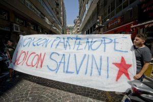 """Napoli, Mostra d'Oltremare occupata. Salta manifestazione Salvini, lui: """"Vengo lo stesso"""""""