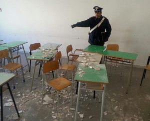 Sarno, crolla soffitto di una scuola elementare: tragedia sfiorata