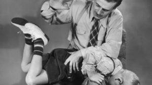 """Maestra Fiumicino: """"Picchiavo i bimbi così imparano a vivere"""". Un ceffone può esser mai educativo?"""