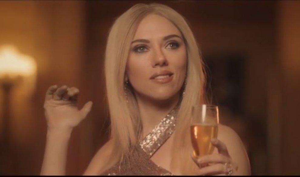 YOUTUBE Scarlett Johansson imita Ivanka Trump in un finto spot: