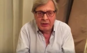 """YOUTUBE Vittorio Sgarbi: """"Boldrini contro Paola Perego? Allora non usi trucco e orecchini"""""""