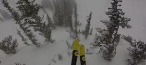 Sciatore fa fuoripista e finisce male: la sua webcam riprende tutto