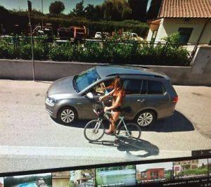 Susanna, la signorina in bicicletta della Salaria, multata per 3mila euro