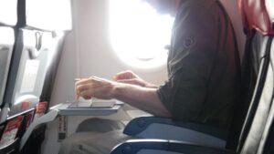 Usa bandisce tablet e pc in volo: vietati in cabina da 12 paesi dell'Africa e Medio Oriente