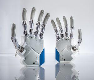 L'udito aiuta le persone amputate ad avere percezioni sensoriali con le protesi.