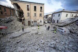 Terremoto centro Italia, chi sono gli sciacalli tra falsi terremotati e finta beneficenza