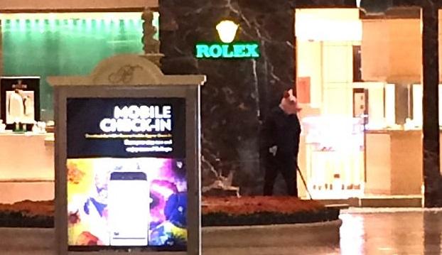 Las Vegas, uomo armato fa irruzione: panico nel casinò Bellagio