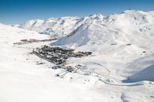 Francia, valanga travolge sciatori a Tignes
