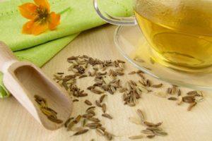 Tisane, quali fanno dormire meglio: camomilla, valeriana e melissa