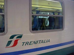 Migrante ubriaco grida Allah Akbar in treno: panico sul regionale Bologna-Venezia