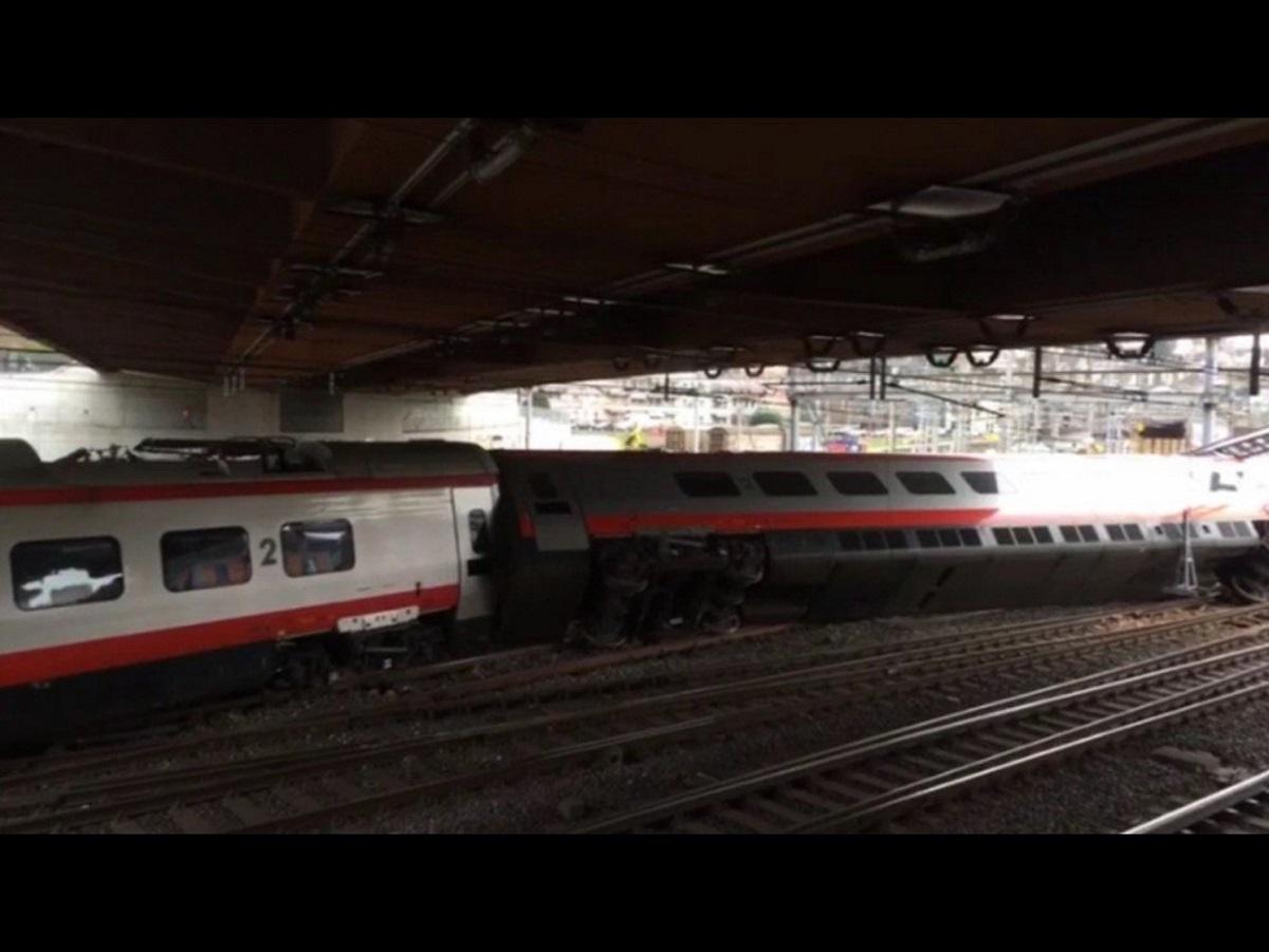 Svizzera: deraglia treno italiano diretto a Basilea, la polizia: