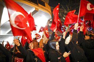 Turchia, sanzioni all'Olanda. Vietato l'ingresso all'ambasciatore