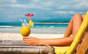 Truffa inglese, i turisti in Spagna fingono intossicazione alimentare e... vacanza gratis