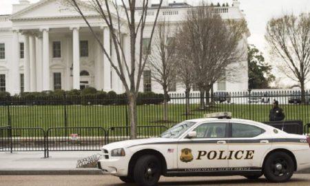 """Usa, allarme bomba alla Casa Bianca: """"Auto fermata a posto di blocco"""""""