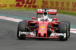 GP Australia: Hamilton in pole, Ferrari di Vettel seconda