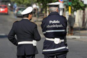 Napoli, vigili col tablet e senza verbali: non possono fare multe