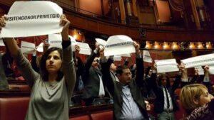 Vitalizi: ok proposta Pd, M5s fa irruzione e interrompe il Question Time