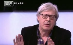 """Vittorio Sgarbi insulta Luisella Costamagna: """"Dici solo caz..."""" VIDEO"""