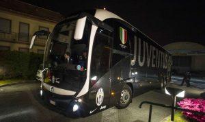 Napoli-Juventus, pullman bianconeri entra da ingresso secondario al San Paolo