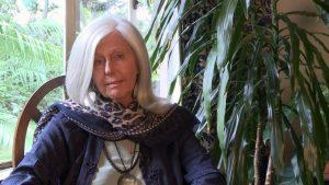 Kenya, la scrittrice Kuki Gallmann ferita a colpi d'arma da fuoco: l'agguato nella sua tenuta