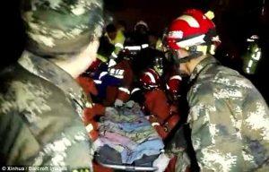 YOUTUBE Bambino cade in un pozzo profondo 10 metri: dopo 9 ore lo salvano