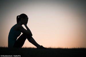 Costringe la figlia 12enne ad avere rapporti col patrigno perché vuole un figlio: condannata