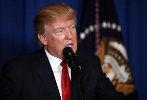 Donald Trump, prima vittoria: il Senato conferma il giudice Gorsuch