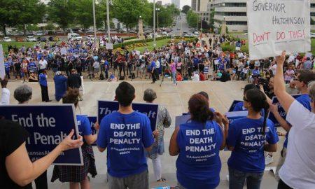 Arkansas, giudice blocca esecuzione di sei condannati a morte 01