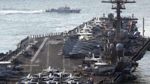 Usa, manovre congiunte tra portaerei Carl Vinson e jet giapponesi