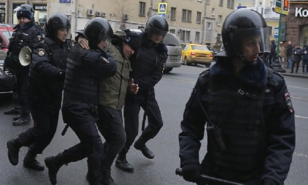 Ancora cortei di protesta a Mosca, decine di arresti
