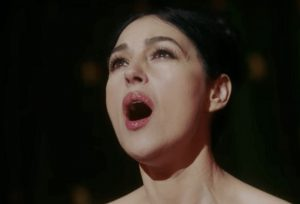 Monica Bellucci a luci rosse in Mozart in the Jungle