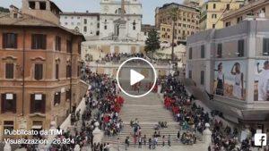 Roma, flash mob Tim in piazza di Spagna con Sven Otten VIDEO