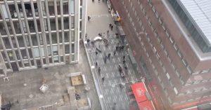 YOUTUBE Stoccolma, camion sulla folla: terrore in centro