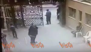 YOUTUBE Egitto, bomba al Cairo: l'esplosione nel cortile in cui giocavano i bambini
