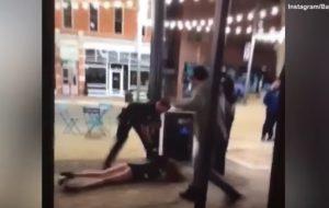 YOUTUBE Polizia Usa sbatte a terra una ragazza: il video choc