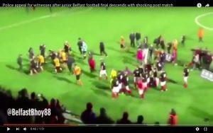 YouTube, rissa in campo durante partita dei ragazzini