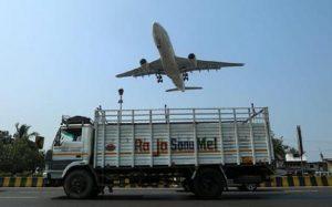 """India, allarme in tre aeroporti: """"Possibili dirottamenti"""""""