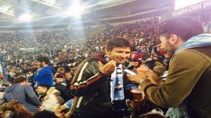 """Alessandro Di Battista allo stadio, Pd: """"Intanto alla Camera si discuteva di fine-vita"""""""