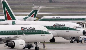 Alitalia, referendum tra i lavoratori: verso la vittoria del no all'accordo